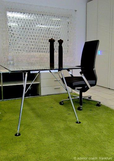 Objekt Ausstattung Bürotisch, Drehstuhl, Teppich